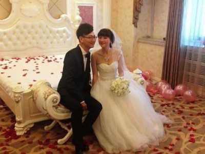 老婆男大学生 21岁男大学生竟娶55岁中年妇女为妻