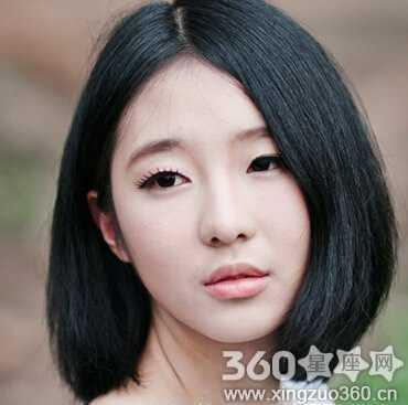 这款黑色的波波头短发发型,自然减龄,修颜又有清新俏丽的形象.