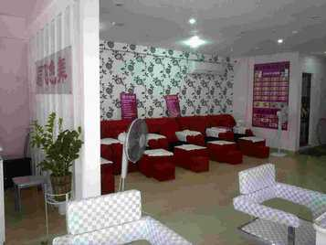4款美容纹绣店装修效果图 纹身半永久纹绣工作室店面设计图