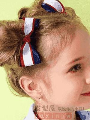 短发宝宝扎头发图解 小孩子短发扎头发步骤图片