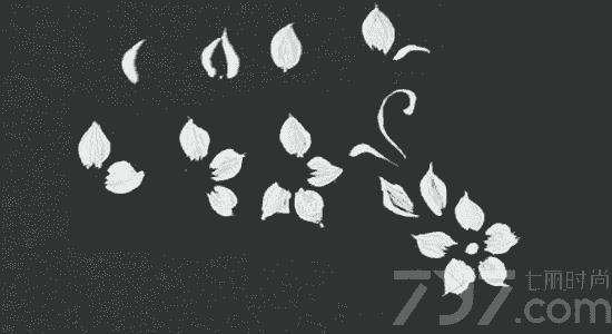 美甲简单勾勒图案画法 美甲画花步骤图解