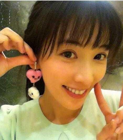 林志玲空气刘海 林志玲新发型卖萌获赞图片