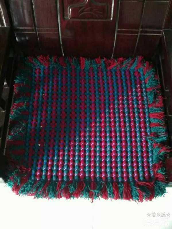 旧毛线编织坐垫方法56 变身非常美丽耐用的沙发坐垫