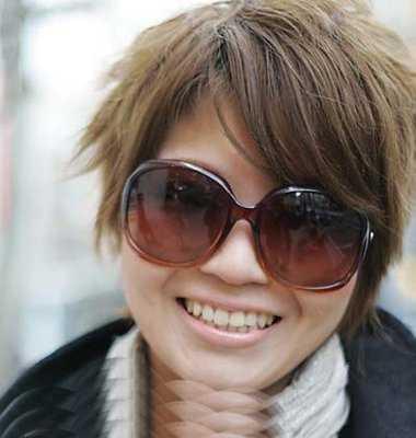 短碎纹理烫发型图女 2017最新适合戴眼镜的女生短发发型