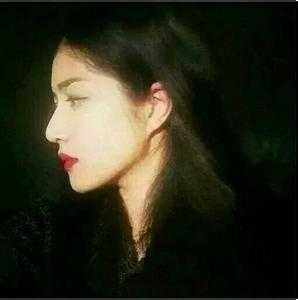 烈焰红唇头像_欧美烈焰红唇女生头像-重口味头像-头像吧