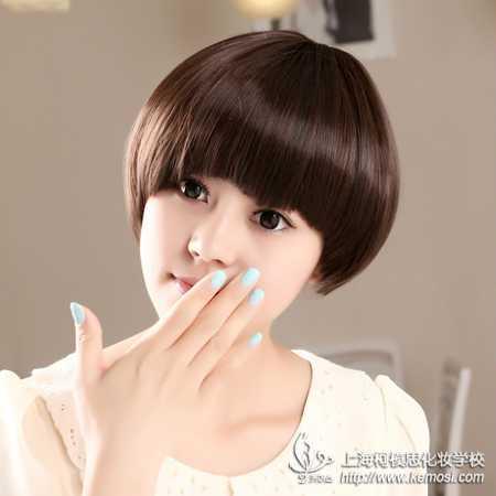 首页 美发 正文  俏皮活泼女生蘑菇头发型    如果你是短发控,如果