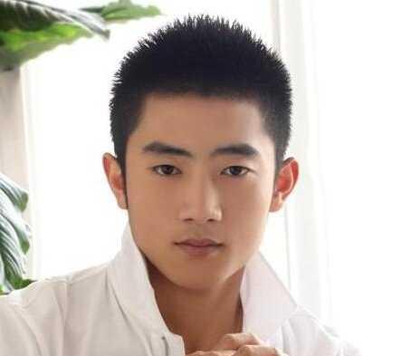 男生社会短发寸头发型 帅气的毛寸头男生短发发型图片
